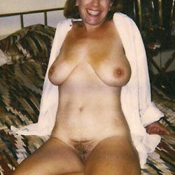 Frankie Having Fun - Big Tits, Bush Or Hairy