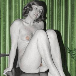 Vintage Colour - Medium Tits