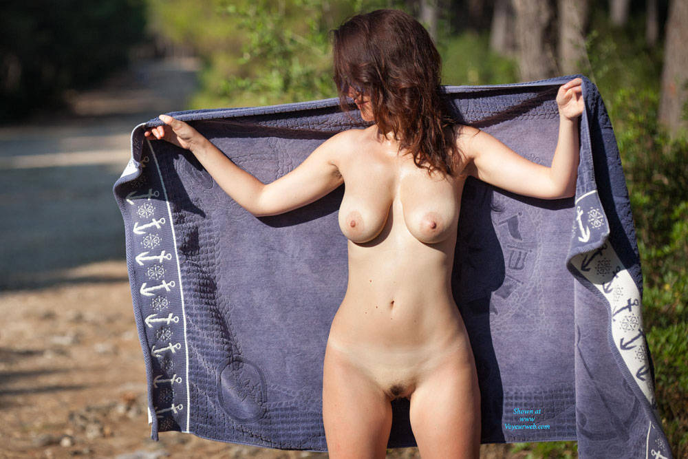 Angelica Along The Street For The Sea! - Big Tits, Brunette Hair, Nude In Public , Outdoor Nudity, Nudist, Exhibitionist, Big Tits
