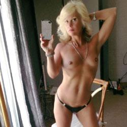 Meet My Sex Kitten - Blonde, High Heels Amateurs