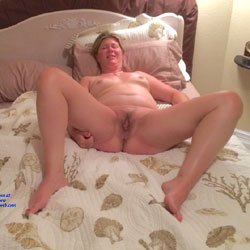 Naughty Housewife - Wife/Wives