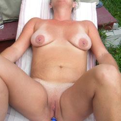 Diamond - Big Tits, Outdoors, Shaved