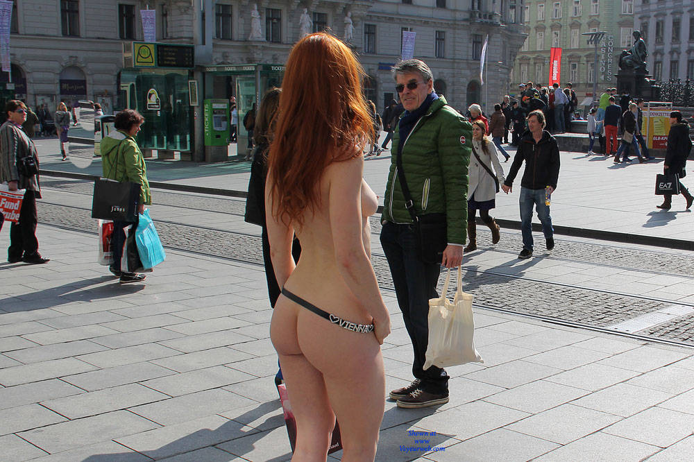 Pic #7 Vienna - Nude In The City - Flashing, High Heels Amateurs, Public Exhibitionist, Public Place, Redhead, Shaved