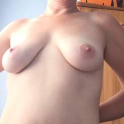 Medium tits of my wife - Katie999