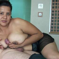 Medium tits of my wife - mi novia