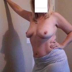 Medium tits of my wife - Melissa