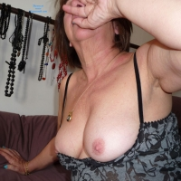Very Mature Wife In The Morning - Mature