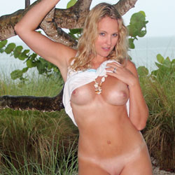 In The Rain - Big Tits, Blonde, Shaved
