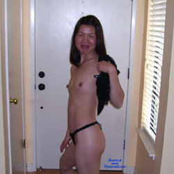 Strip Tease - Brunette, Wife/Wives