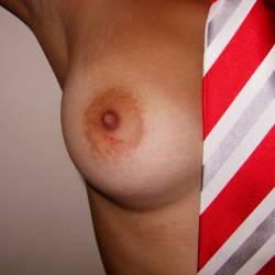 Medium tits of my wife - Cindy