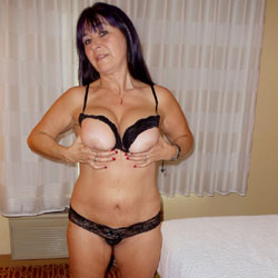 Hotel Photo Fun With The Wife - Wife/Wives, Shaved, Lingerie, Brunette, Big Tits