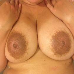 Extremely large tits of my wife - Eve76