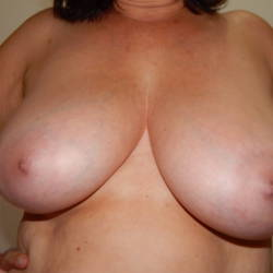 Very large tits of my wife - DÁLIA