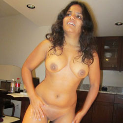 Sexy Indian Teen In USA Showing Off - Big Tits, Brunette