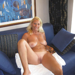 Dolly In Crociera - Big Tits, Blonde, Shaved