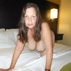 VW Patron Cameraman - Mature, Brunette, Big Tits, Wife/Wives