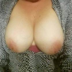 Very large tits of my wife - Sexy soccer mom