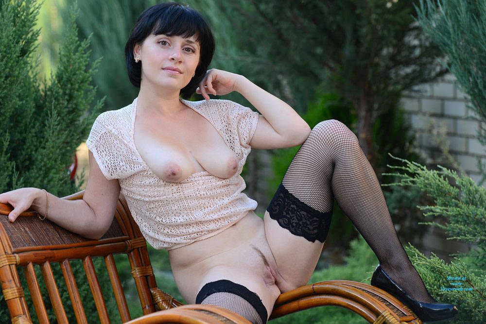 Short brunette hair nude