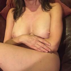 Medium tits of my wife - Livinia
