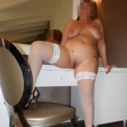 Motel - Big Tits, High Heels Amateurs