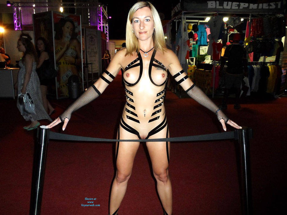 Yummy Looking Painted Blonde Girl - Artistic Nude, Big Tits, Blonde Hair, Full Nude, Hard Nipple, Nipples, Nude In Public, Shaved Pussy, Hairless Pussy, Hot Girl, Sexy Body, Sexy Girl, Sexy Legs, Wife/wives , Blonde Girl, Naked, Painted, Body Art, Firm Tits, Hairless Pussy, Legs
