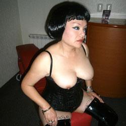 Mis Tetas - Big Tits, Brunette