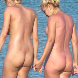 Sexy Nude Beach Ass