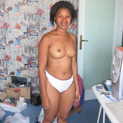 Isabel Naked At Home