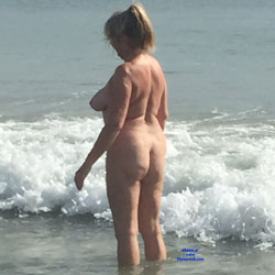 Mature Butt - Mature Ass, Mature, Beach