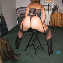 Thick Ass in Heels - High Heels Amateurs, Lingerie