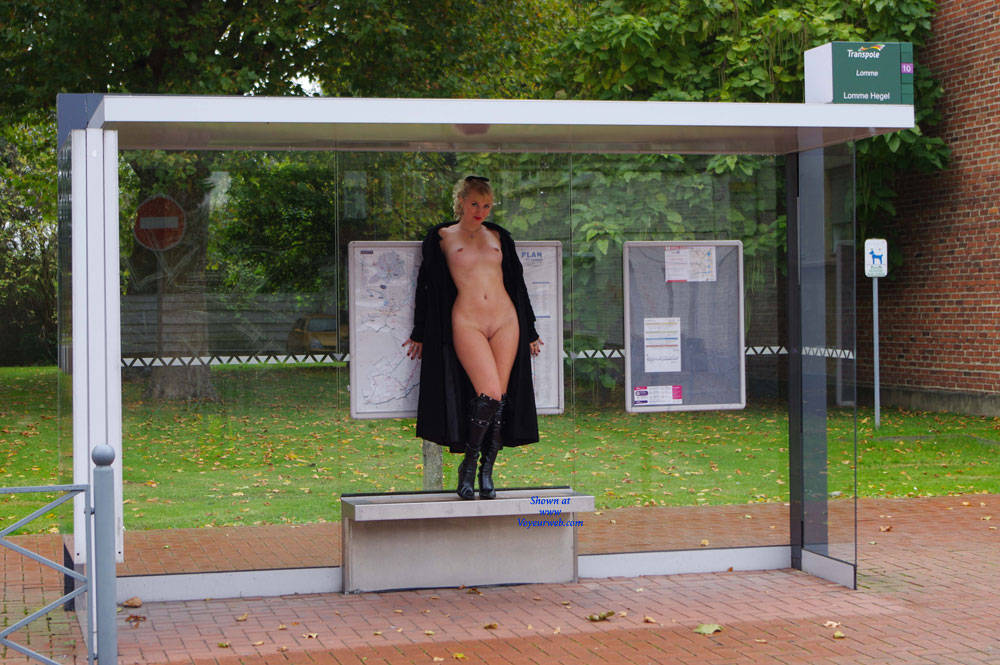 Pic #7 Creamy Gonna Take The Bus - Blonde, Flashing, Public Exhibitionist, Public Place