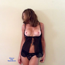 Dojo In Black Lingerie - Big Tits, Brunette, Lingerie