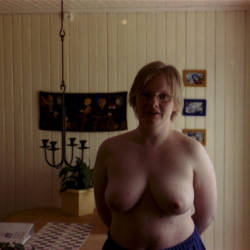 Medium tits of my wife - Tone