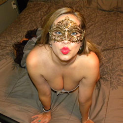 Masked Gabbie On Bed - Artistic Nude, Bed, Big Tits, Brunette Hair, Hot Girl, Sexy Boobs, Sexy Girl, Costume