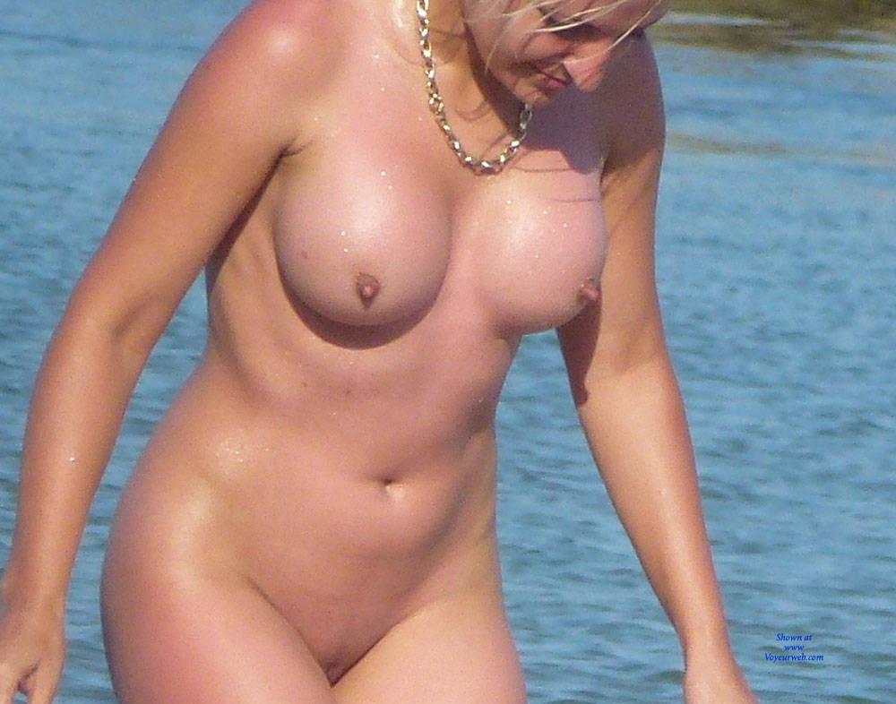 Katie holmes nude disturbing