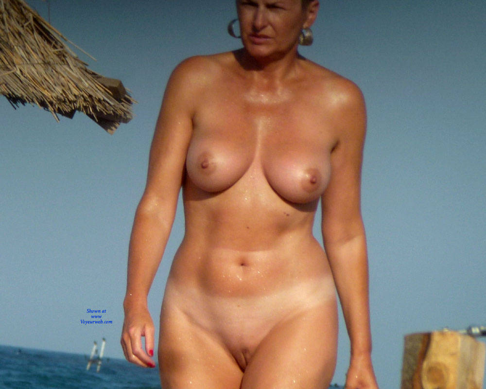 Erected Nipples Un Nudist Beach - November, 2015 - Voyeur Web-3762