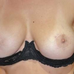 Medium tits of my girlfriend - Fitty
