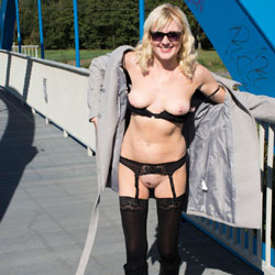 Public Nude On A Bridge - Blonde, High Heels Amateurs, Shaved