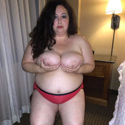 BBW Loves To Show...