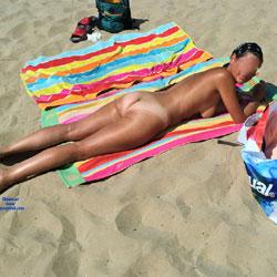 Desnuda En La Playa - Beach