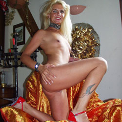 I'm Coco The French Slut - Blonde, High Heels Amateurs