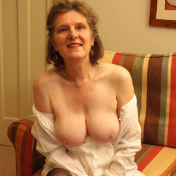 Photos 4 Play - Big Tits, Mature