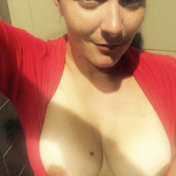 Tit Flash - Big Tits, Wife/Wives