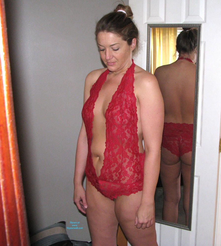 Beautiful milf striptease
