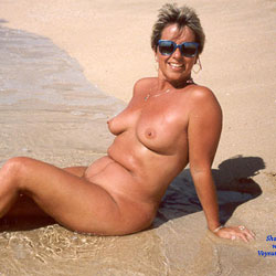 Debbie Nude On A Hawaii Beach - Beach, Big Tits