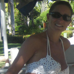 Christelle, French Wife, 44 yo - Close-Ups, Wife/Wives