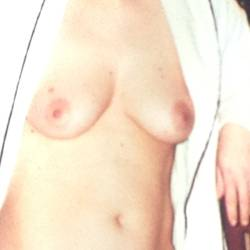 Medium tits of my wife - Caro