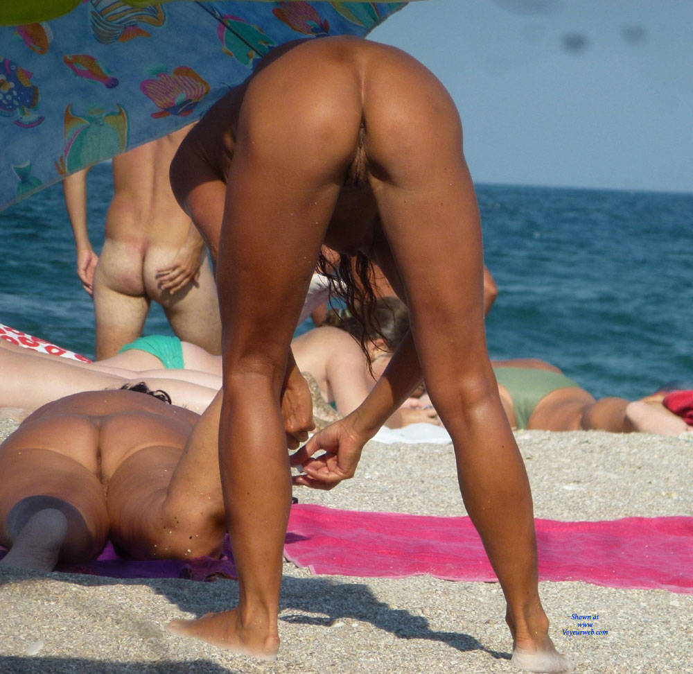ass nudist Pic #7 Ass Cleavage On Public Beach - Beach
