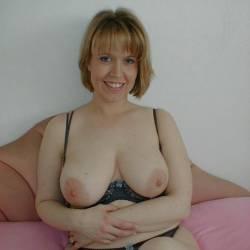 Large tits of a neighbor - Lisa UkCple67