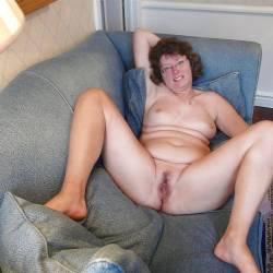 Madeleine - Brunette, Bush Or Hairy